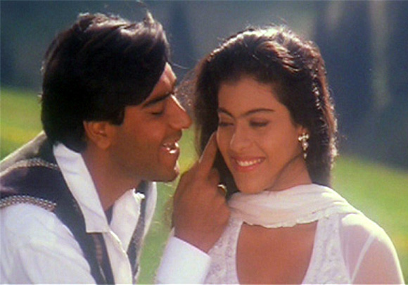 Ajay Devgn and Kajol in Pay Toh Hona Hi Tha