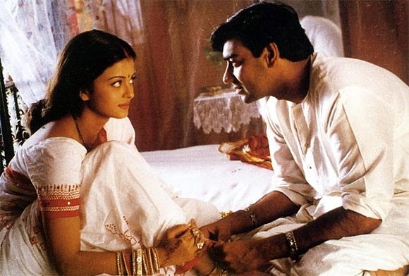 Aishwarya Rai  Bachchan and Ajay Devgn in Hum Dil De Chuke Sanam