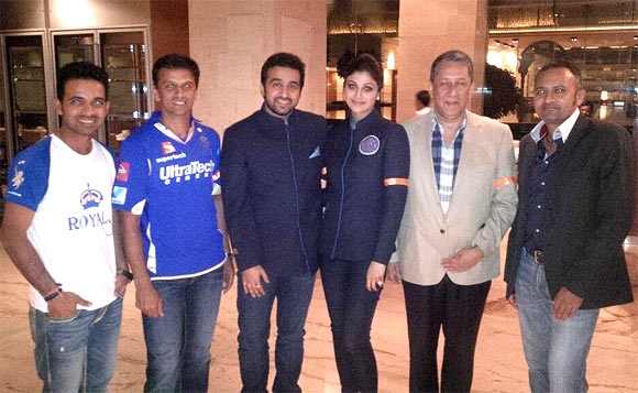 Shilpa Shetty and Raj Kundra with the Rajasthan Royals team