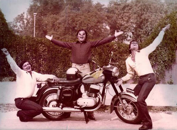 Rakesh Bedi, Farookh Shaikh and Ravi Baswani in Chashme Buddoor