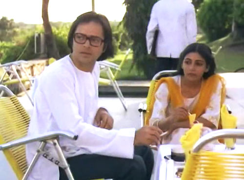 A scene from Chashme Buddoor