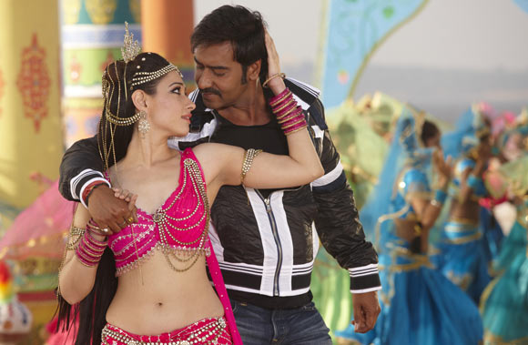 A scene from Himmatwala