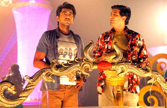 Ayushmann Khurrana and Kunal Roy Kapur in Nautanki Saala