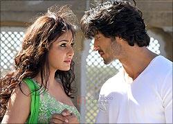 Pooja Chopra and Vidyut Jamwal in Commando