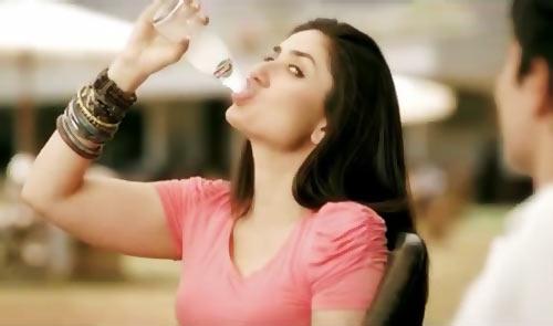Kareena Kapoor in Limca ad
