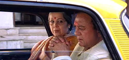 Rohini Hattangady and Sunil Dutt in Munnabhai MBBS