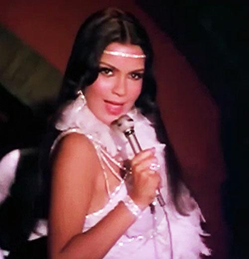 Zeenat Aman in Qurbani
