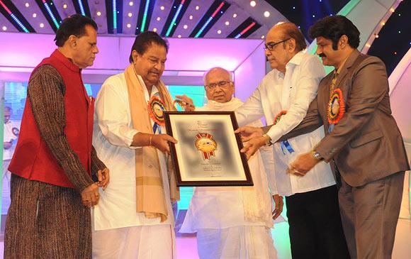 T Subhrami Reddy, Kaikala Satyanarayana, Akkineni Nageshwara Rao, D Ramanaidu, Bala Krishna