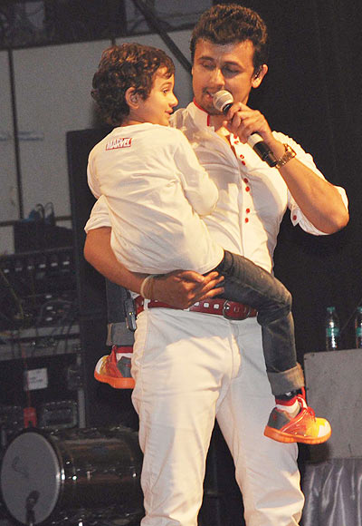 Sonu Nigam and Nevaan