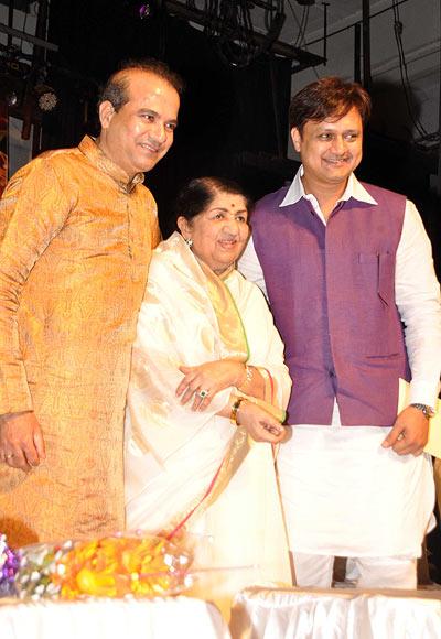 Suresh Wadkar, Lata Mangeshkar and Sunil Barve