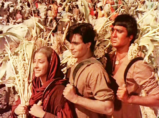 Nargis, Rajendra Kumar, Sunil Dutt in Mother India