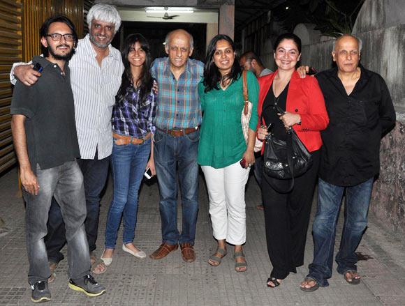 Vishesh Bhatt, Vikram Bhatt, Krishna Bhatt, Bukesh Bhatt, Shagufta Rafique, Pooja Bhatt, Mahesh Bhatt