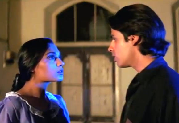 Anu Agarwal and Rahul Roy in Aashiqui