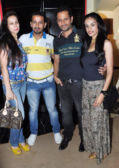 Sunaina, Harmeet Singh, Manmeet Singh and Karishma Modi