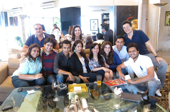 Malaika Arora Khan, Ritiesh Deshmukh, Farah Khan, Rahul Khanna and fashion designer Vikram Phadnis with their friends