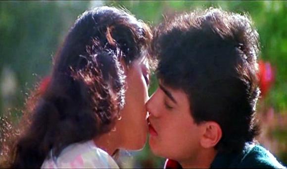 Juhi Chawla and Aamir Khan in Qayamat Se Qayamat Tak