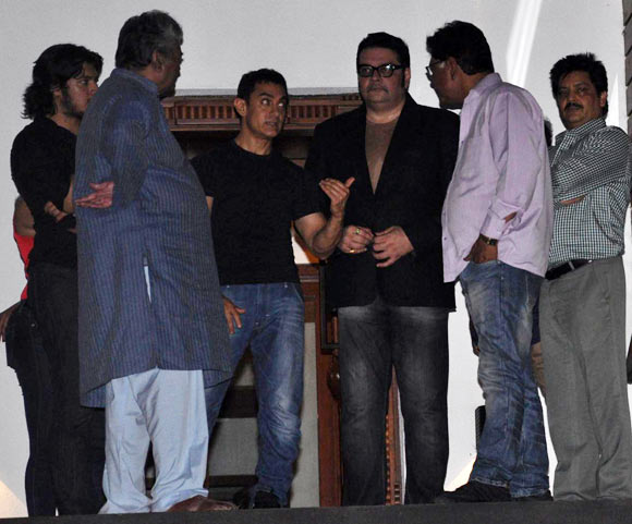 Aamir Khan with son Junaid and the QSQT team