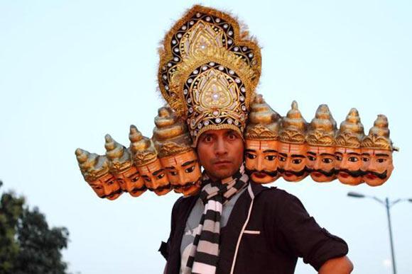 Deepak Dobriyal in Chor Chor Super Chor