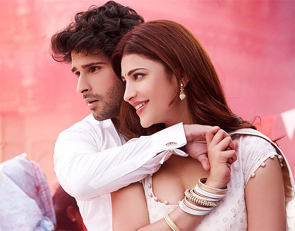 Girish Kumar and Shruit Haasan in Ramaiya Vastavaiya