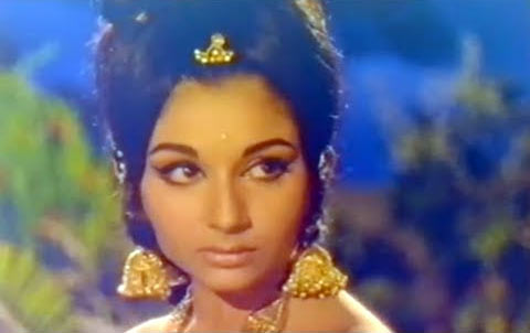 Sharmila Tagore in Hum Saaya