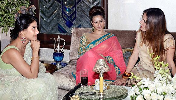 Kajol, Tanisha, Sussanne Roshan