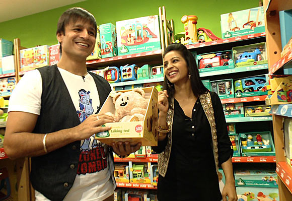 Vivek Oberoi along with host Garima at a toy shop