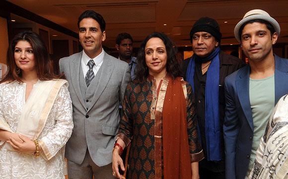 Twinkle Khanna, Akshay Kumar, Hema Malini, Mithun Chakraborty, Farhan Akhtar