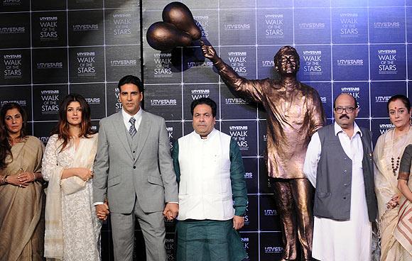 Dimple Kapadia, Twinkle Khanna, Akshay Kumar, Rajeev Shukla, Amar Singh, Poonam Sinha