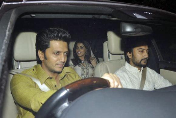 Riteish Deshmukh, Genelia D'Souza and Dheeraj Deshmukh