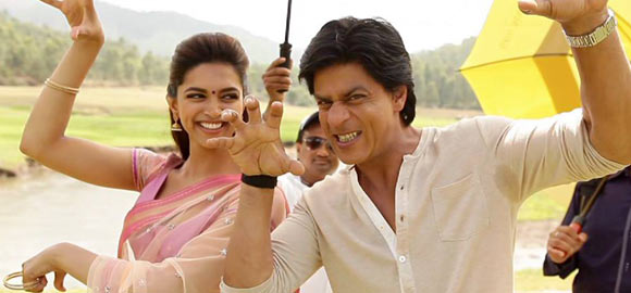 Shah Rukh Khan with Deepika Padukone on the sets of Chennai Express