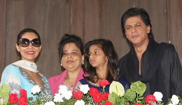 Gauri, Shehnaz, Suhana and Shah Rukh Khan