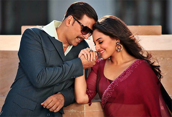 Akshay Kumar and Sonakshi Sinha in Once Upon A Time In Mumbaai Dobaara!