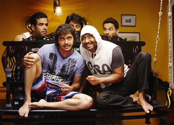 Tusshar Kapoor, Arshad Warsi, Kunal Khemu, Ajay Devgn and Shreyas Talpade in Golmaal 3