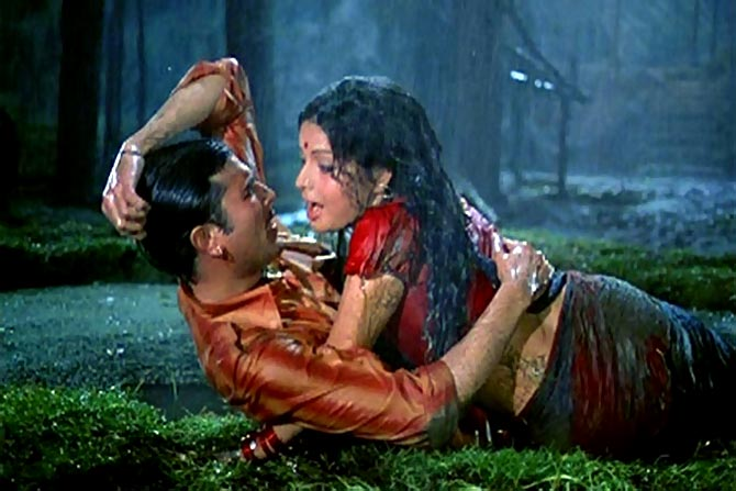 Rajesh Khanna and Rakhe in Daag
