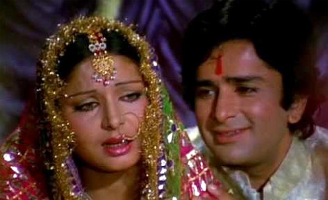 Rakhee and Shashi Kapoor in Kabhi Kabhi