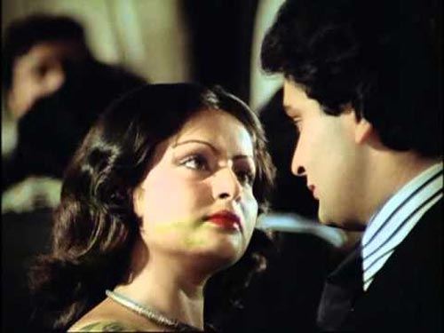 Raakhee and Rishi Kapoor in Doosra Aadmi