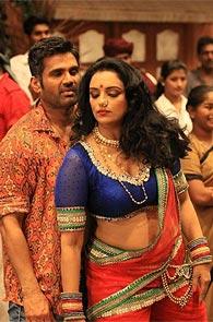 Suniel Shetty and Shwetha Menon in Kalimannu