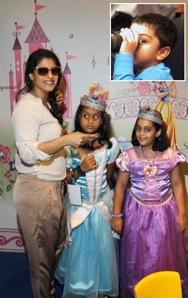Kajol with Nysa (centre). Inset: Yug Devgn