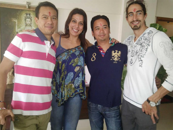 Pooja Bedi with restaurateurs Ryan and Keena Tham and brother Adam Bedi