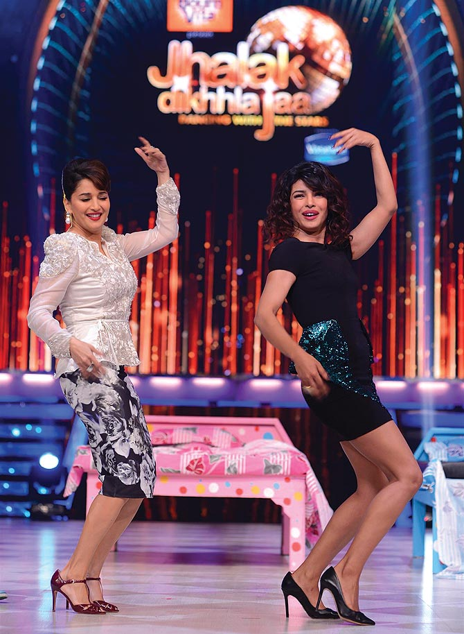 Pix Madhuri Priyanka Get On The Dance Floor Rediff Com Movies