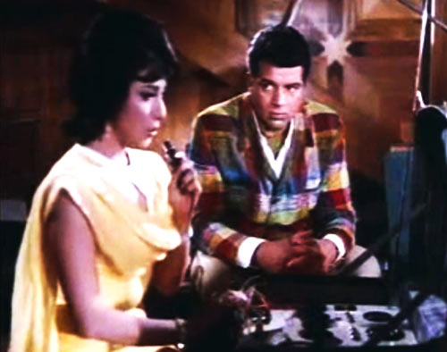 Mala Sinha and Dharmendra in Aankhen
