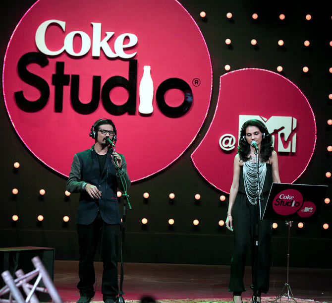 Amit Trivedi and Tanvi Shah sing Sheher Mein for Coke Studio @MTV.