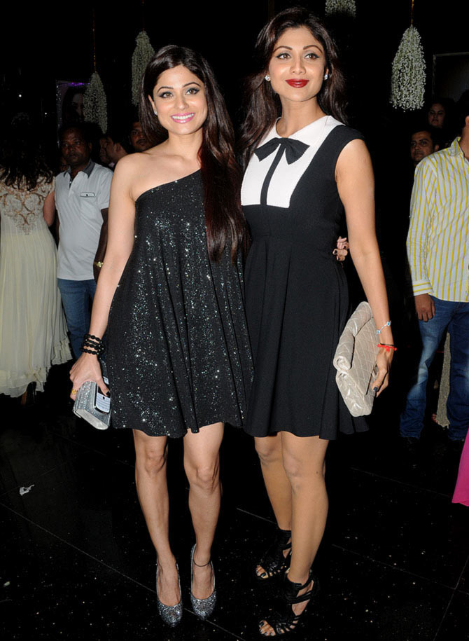 Shilpa Shetty with younger sister Shamita