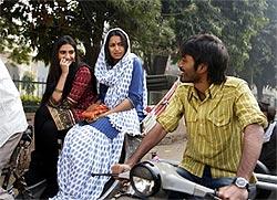 Sonam Kapoor (left) and Dhanush in Raanjhanaa