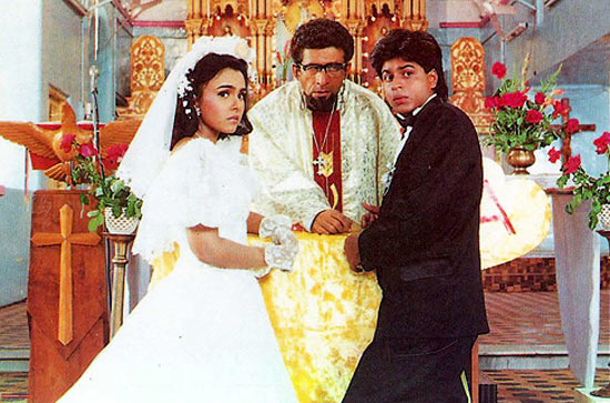 Suchitra Krishnamoorthi, Naseeruddin Shah and Shah Rukh Khan in Kabhi Haan Kabhi Naa.