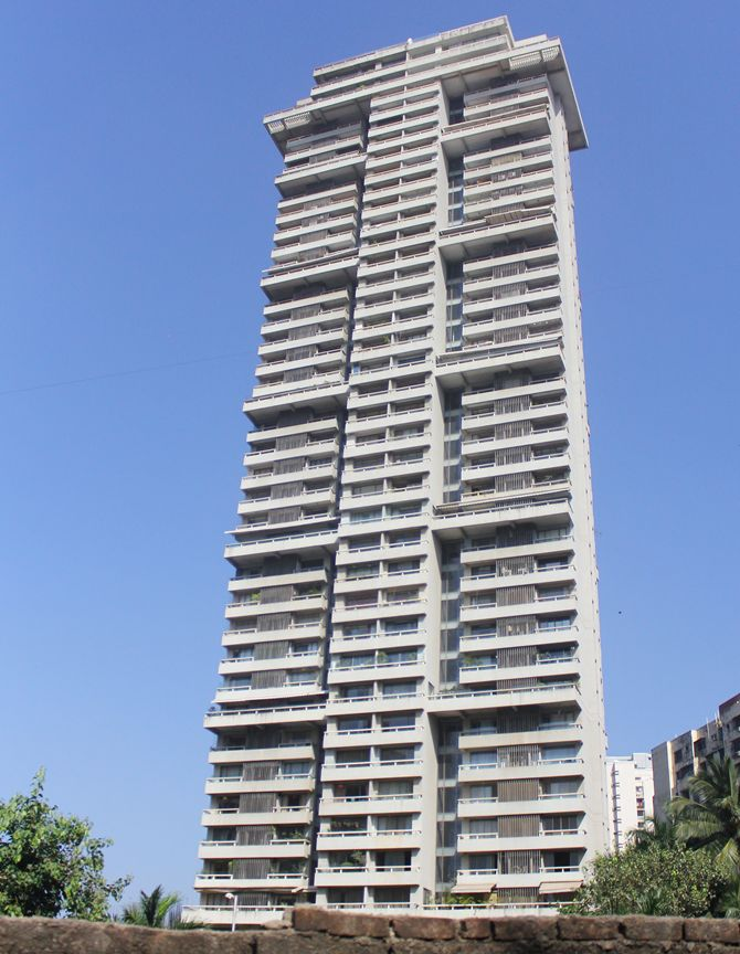 Oberoi Sky Heights, Shriya Saran (inset)