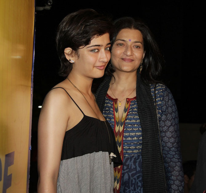 Sarika with daughter Akshara at Vicky Donor screening