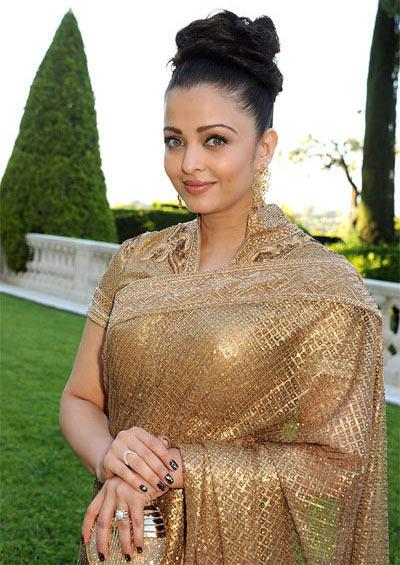 Aishwarya Rai Bachchan Hair Style