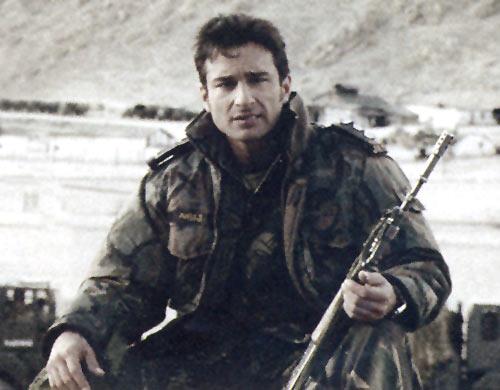 Saif Ali Khan in LOC Kargil