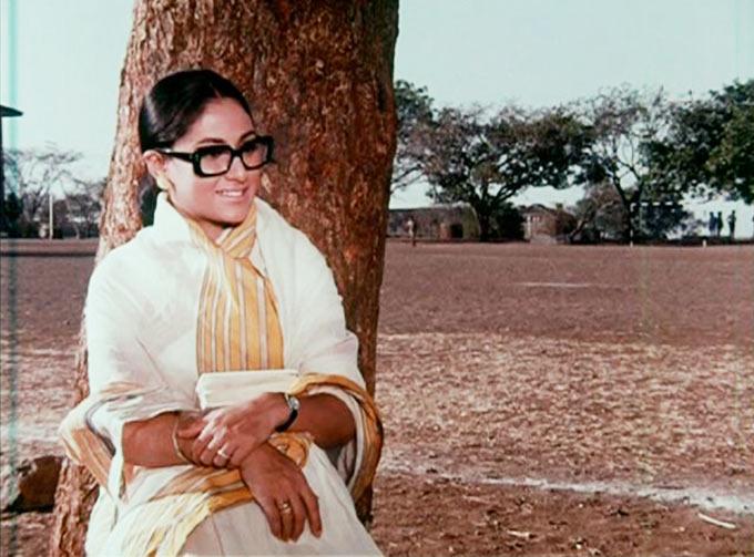 Jaya Bachchan in Kora Kagaz